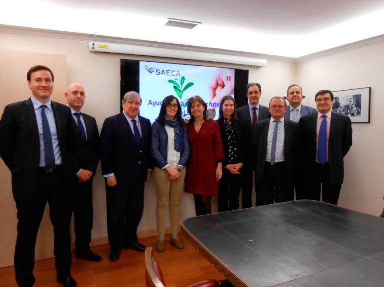 La presidenta de SEPI visita la sede social de SAECA en Madrid